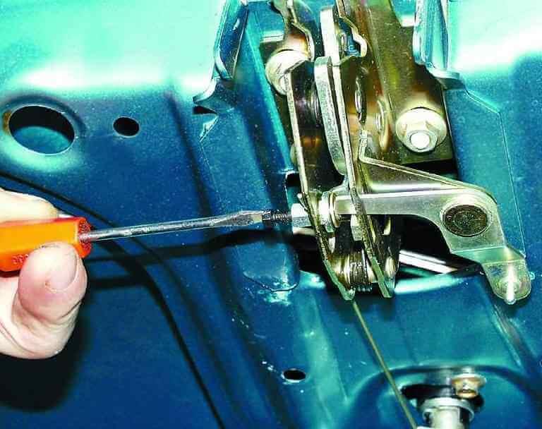 Замена привода замка ВАЗ 2110