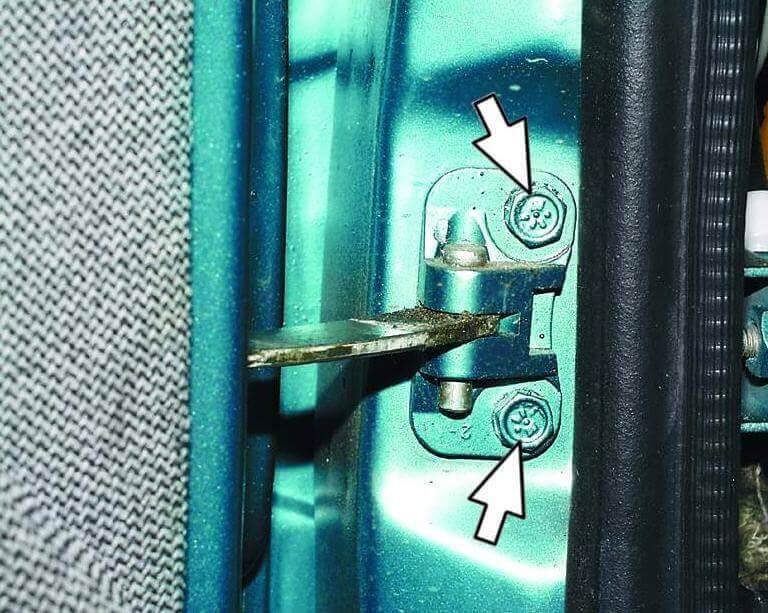 Снятие и установка двери ВАЗ-2110, 21102