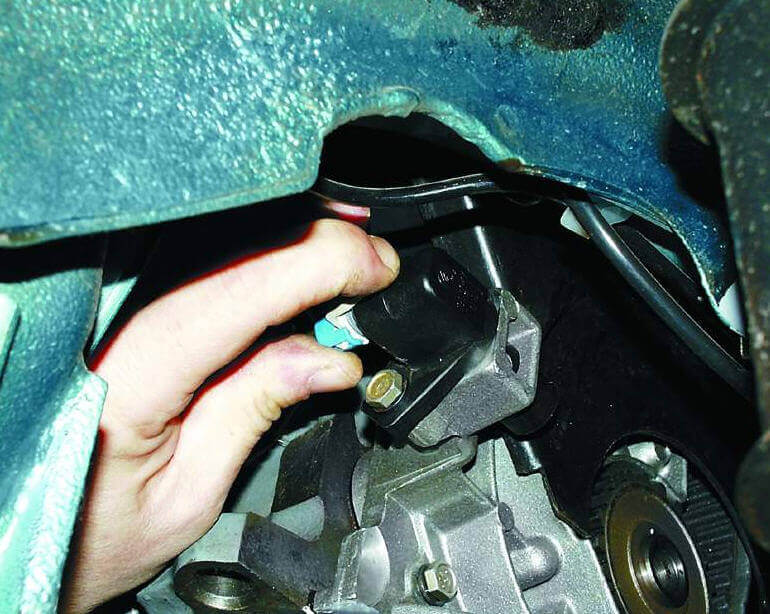 Замена прокладки головки блока цилиндров ВАЗ-2110