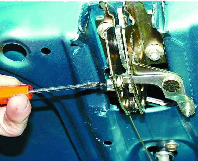 Замена замка крышки багажника ВАЗ 2110, 21102