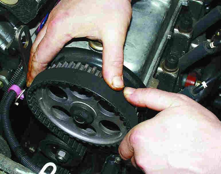 Замена ремня привода распределительного вала и натяжного ролика ВАЗ-2110, ВАЗ-21102, 21104